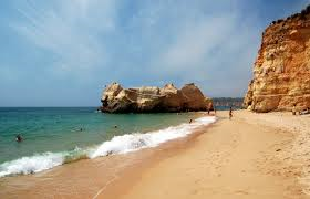 The beach at Praia da Rocha. I didn't see it.
